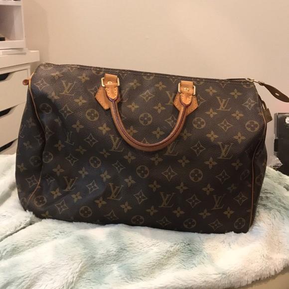 ea3cb3a30b4f Louis Vuitton Handbags - Speedy 35 Monogram